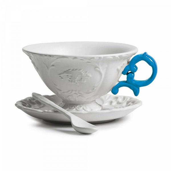 Чайная пара I-TeaПосуда<br>Чайная пара I-Tea из коллекции изысканных предметов кухонной утвари компании Seletti выполнена вВклассическом стиле барокко, замысловатость иВроскошь которого необычно дополнена деталями вВярких неоновых оттенках. <br> <br> Чайная пара I-Tea отличается витиеватыми ручками сВмелким узором иВдекорированными основами. Предметы коллекции смотрятся богато иВизысканно иВмогут достойно украсить самый стильный интерьер.<br><br>stock: 0<br>Высота: 12<br>Материал: Фарфор<br>Цвет: Белый + синяя ручка/ White + Blue<br>Диаметр: 15