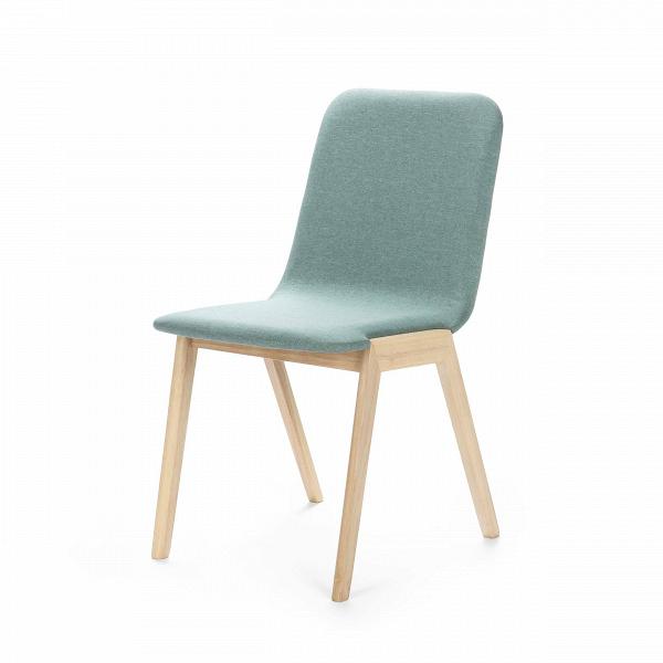 Стул MaysonИнтерьерные<br>Дизайнерский мягкий легкий голубой стул Mayson (Мэйсон) без подлокотников от Cosmo (Космо).<br>Доступный в двух цветах каркаса стул Mayson — превосходный кандидат для обеденной зоны. Дизайнеры сделали изделие комфортным, но компактным, благодаря чему он не занимает много места на небольшой кухне. Для устойчивости ножки расставлены под тупым углом, а для того чтобы не портилосьВнапольное покрытие, на них имеются специальные насадки.В<br> <br> Благодаря двум цветовым решениям легко подобрат...<br><br>stock: 6<br>Высота: 83<br>Высота сиденья: 46<br>Ширина: 58<br>Глубина: 45<br>Цвет ножек: Беленый дуб<br>Наполнитель: Пена<br>Материал ножек: Массив каучукового дерева<br>Материал сидения: Полиэстер<br>Цвет сидения: Голубой<br>Тип материала сидения: Ткань<br>Тип материала ножек: Дерево