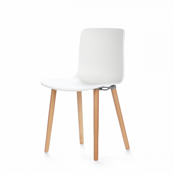 Стул BaltimoreИнтерьерные<br>Дизайнерский белый легкий стул Baltimore (Балтимор) из полипропилена на деревянных ножках от Cosmo (Космо).<br>Дизайн этого кресла былВразработанВеще в шестидесятые прошлого столетия. Сиденье стулаВBaltimore полностьюВсделано из пластика. Уже после того как производство мебели было запущено, его дизайнВперенес несколько изменений и превратился в совершенный готовый продукт. Как видно, позднее у него появились деревянные ножки, которые завершают образ и привносят в дизай...<br><br>stock: 45<br>Высота: 79<br>Высота сиденья: 44<br>Ширина: 47<br>Глубина: 48.5<br>Цвет ножек: Светло-коричневый<br>Материал каркаса: Полипропилен<br>Тип материала каркаса: Пластик<br>Тип материала ножек: Дерево<br>Цвет каркаса: Белый