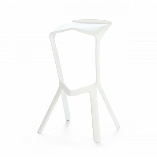 Барный стул Miura 2Барные<br>Дизайнерский барный стул Miura 2 (Миюра) необычной формы с каркасом из полипропилена от Cosmo (Космо). <br><br> Известный немецкий дизайнер Константин Грчик любит экспериментировать. Благодаря смелому видению и умению сочетать практичность и эстетику он получает самые престижные дизайнерские награды, его творения выигрывают призы на конкурсах, некоторые даже являются экспонатами Нью-Йоркского музея современного искусства.ВБарный стул MiuraВ2 — один из таких предметов, эта работа была п...<br><br>stock: 10<br>Высота: 82<br>Высота сиденья: 77.5<br>Ширина: 48<br>Глубина: 40.5<br>Тип материала каркаса: Полипропилен<br>Цвет каркаса: Белый<br>Дизайнер: Konstantin Grcic