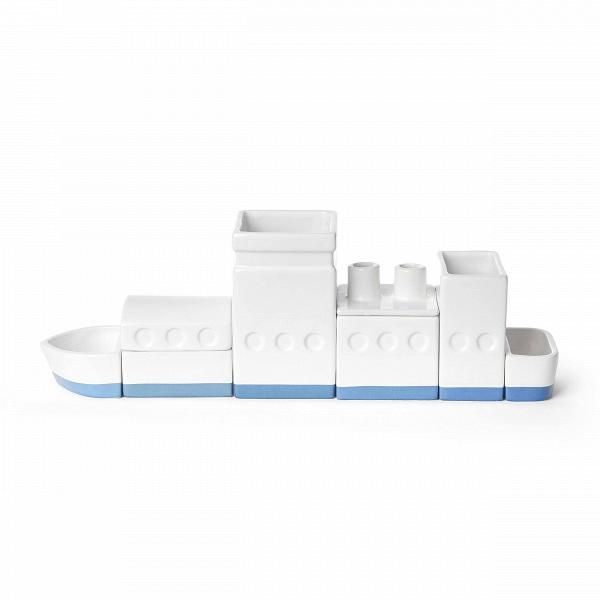 Настольный органайзер The ShipРазное<br>Дизайнерский настольный квадратный фарфоровый органайзер The Ship (Зе Шип) в форме лодки от Seletti (Селетти).<br><br><br> Настольный органайзер The Ship — это фарфоровый склад, судно или город на вашем столе, которые помогают поддерживать наВнем порядок. Квадратная основа каждого компонента оптимизирует пространство наВстоле, иВпозволяет устраивать его так, как выВпожелаете.<br><br><br><br><br><br><br> Настольный оригинальный органайзер The Ship предлагается в различных вариантах: метафора з...<br><br>stock: 0<br>Высота: 11<br>Ширина: 6,5<br>Материал: Фарфор<br>Цвет: Белый<br>Длина: 33