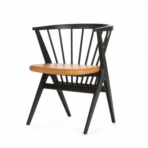 Стул InkИнтерьерные<br>Дизайнерский черный легкий интерьерный стул Ink (Инк) с кожаным сиденьем от Cosmo (Космо).<br>Причудливо соединенные между собой в практичное сиденье планки стула Ink в своей передней части переходят в каркасную опору из четырех широко поставленных ножек. Индустриальный минимализм такого оригинального стула неоспорим, но для конструктивного стиля он также превосходно подойдет. Легкость конструкции и простота в уходе и хранении позволяют использоватьВстул InkВкак в помещениях, так и по...<br><br>stock: 0<br>Высота: 74<br>Высота сиденья: 45<br>Ширина: 56<br>Глубина: 56<br>Материал каркаса: Массив бука<br>Тип материала каркаса: Дерево<br>Цвет сидения: Светло-коричневый<br>Тип материала сидения: Кожа<br>Коллекция ткани: Premium Leather<br>Цвет каркаса: Черный