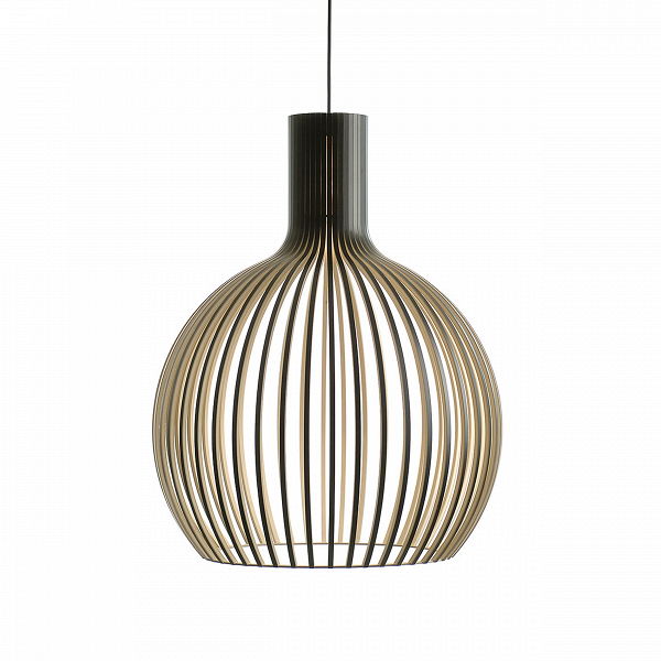 Подвесной светильник Octo 4240Подвесные<br>Подвесной светильник Octo 4240<br><br> Компания Secto Design является финским производителем дизайнерских светильников изВдерева, обретающих всемирную известность. Изготавливаемые вручную высококвалифицированными специалистами изВнатуральной древесины березы, они наделены простотой иВчеткостью скандинавского стиля. Торшеры, подвесные светильники иВнастенные бра, аВтакже настольные лампы обеспечивают мягкое свечение иВпридают атмосферность любому помещению.<br><br><br> Под...<br><br>stock: 0<br>Высота: 68<br>Диаметр: 54<br>Количество ламп: 1<br>Материал арматуры: Береза<br>Мощность лампы: 40<br>Ламп в комплекте: Нет<br>Напряжение: 220<br>Теплота света: 3000<br>Тип лампы/цоколь: E27<br>Цвет арматуры: Черный<br>Дизайнер: Seppo Koho