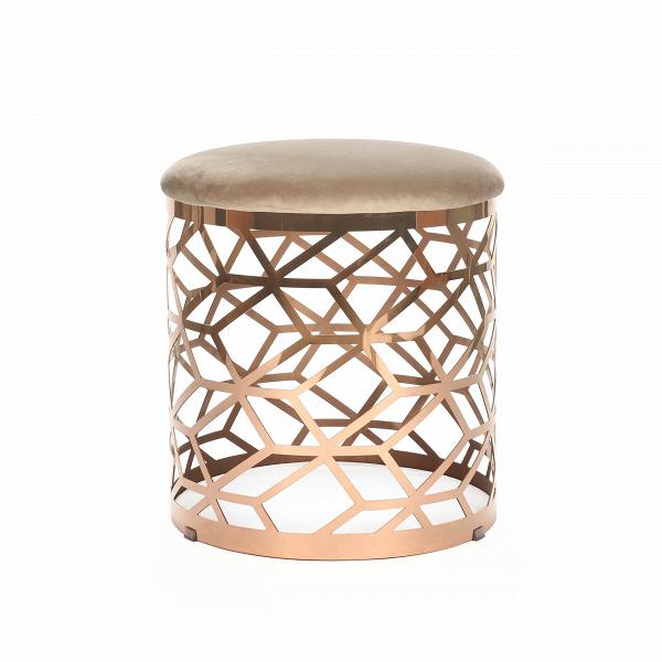 Кофейный стол AmletoКофейные столики<br>Дизайнерский круглый кофейный стол Amleto (Амлето) из меди с вельветовой столешницей от Cosmo (Космо).<br><br>Сложная геометрия кофейного стола Almeto — отнюдь не единственная черта, делающая его дизайн столь притягательным. Хромированная подножка иВматериалы природного происхождения также помогают вам влюбиться в его дизайн. Он идеально впишется не только в интерьер гостиной, но и спальной комнаты. Стол органично смотрится и в качестве прикроватного столикаВ— на него можно поставить ...<br><br>stock: 0<br>Высота: 45<br>Диаметр: 45<br>Цвет ножек: Медь<br>Цвет столешницы: Светло-серый<br>Материал столешницы: Вельвет<br>Тип материала столешницы: Ткань<br>Тип материала ножек: Сталь нержавеющая