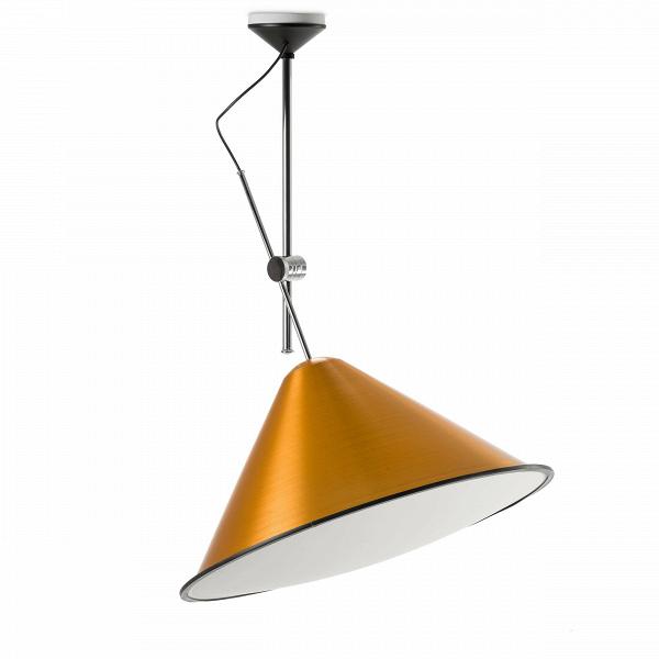 Потолочный светильник ConeПотолочные<br>При взгляде на потолочный светильник Cone становится заметно, что, разрабатывая эту серию, его создатель, британский дизайнер Том Диксон, вдохновлялся профессиональным фотооборудованием. Сложно не думать о фотовспышках и студиях, глядя на необычный плафон.<br><br><br> Технические особенности рабочей фототехники были со вкусом переработаны, не потеряв своей функциональности. Внутренняя поверхность плафона обтянута белым акриловым полотном. Попадая на такую преграду, свет равномерно рассеивается...<br><br>stock: 8<br>Высота: 150<br>Диаметр: 73<br>Материал абажура: Акрил<br>Материал арматуры: Металл<br>Ламп в комплекте: Нет<br>Напряжение: 220<br>Цвет абажура: Золотой<br>Дизайнер: Tom Dixon