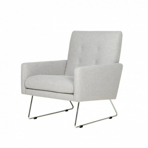 Кресло MaxИнтерьерные<br>Дизайнерское широкое удобное кресло Max (Макс) на металлических ножках от Sits (Ситс).<br><br><br> Строгие шведские черты в сочетании с современными веяниями в дизайне интерьера дают великолепный результат: разработанное ведущими дизайнерами мебельной компании Sits кресло Max сумеет интегрироваться практически в любой тип помещения. Строгие формы подлокотников и спинки, сочетаясь с высокими стальными ножками, дают простор для творчества в окружающей такую мебель обстановке.<br><br><br> Кресло Max<br>им...<br><br>stock: 0<br>Высота: 83<br>Высота сиденья: 43<br>Ширина: 68<br>Глубина: 80<br>Цвет ножек: Хром<br>Материал обивки: Шерсть, Полиамид<br>Степень комфортности: Стандарт комфорт<br>Форма подлокотников: Стандарт<br>Коллекция ткани: Категория ткани III<br>Тип материала обивки: Ткань<br>Тип материала ножек: Металл<br>Цвет обивки: Светло-серый