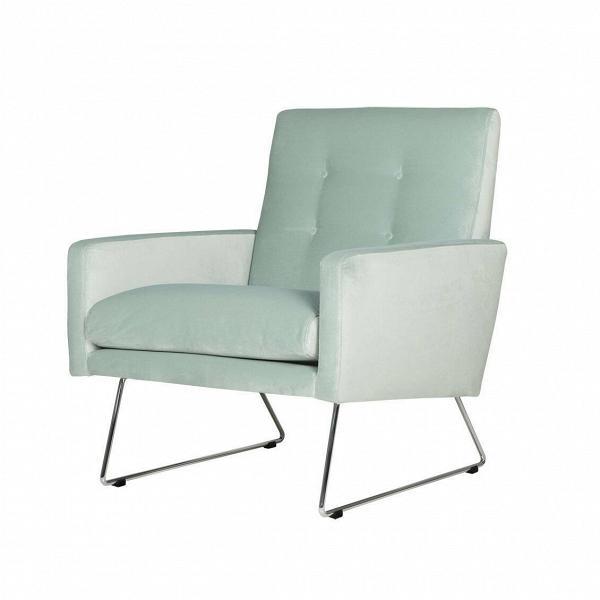 Кресло MaxИнтерьерные<br>Дизайнерское широкое удобное кресло Max (Макс) на металлических ножках от Sits (Ситс).<br><br><br> Строгие шведские черты в сочетании с современными веяниями в дизайне интерьера дают великолепный результат: разработанное ведущими дизайнерами мебельной компании Sits кресло Max сумеет интегрироваться практически в любой тип помещения. Строгие формы подлокотников и спинки, сочетаясь с высокими стальными ножками, дают простор для творчества в окружающей такую мебель обстановке.<br><br><br> Кресло Max<br>им...<br><br>stock: 0<br>Высота: 83<br>Высота сиденья: 43<br>Ширина: 68<br>Глубина: 80<br>Цвет ножек: Хром<br>Материал обивки: Полиэстер<br>Степень комфортности: Стандарт комфорт<br>Форма подлокотников: Стандарт<br>Коллекция ткани: Категория ткани III<br>Тип материала обивки: Ткань<br>Тип материала ножек: Металл<br>Цвет обивки: Светло-бирюзовый