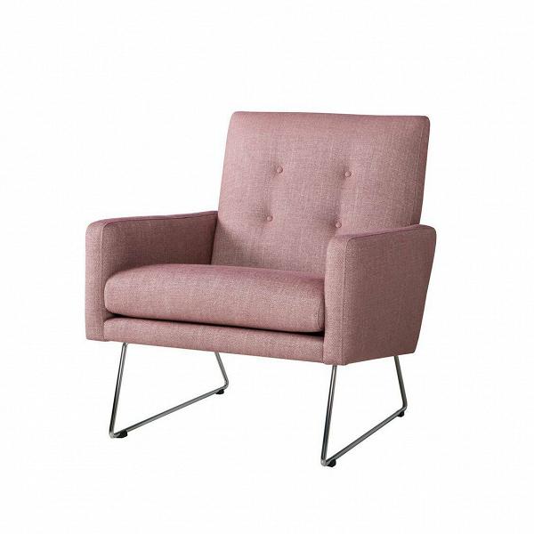 Кресло MaxИнтерьерные<br>Дизайнерское широкое удобное кресло Max (Макс) на металлических ножках от Sits (Ситс).<br><br><br> Строгие шведские черты в сочетании с современными веяниями в дизайне интерьера дают великолепный результат: разработанное ведущими дизайнерами мебельной компании Sits кресло Max сумеет интегрироваться практически в любой тип помещения. Строгие формы подлокотников и спинки, сочетаясь с высокими стальными ножками, дают простор для творчества в окружающей такую мебель обстановке.<br><br><br> Кресло Max<br>им...<br><br>stock: 0<br>Высота: 83<br>Высота сиденья: 43<br>Ширина: 68<br>Глубина: 80<br>Цвет ножек: Хром<br>Материал обивки: Вискоза, Хлопок, Полиамид, Лен<br>Степень комфортности: Стандарт комфорт<br>Форма подлокотников: Стандарт<br>Коллекция ткани: Категория ткани IV<br>Тип материала обивки: Ткань<br>Тип материала ножек: Металл<br>Цвет обивки: Баклажан
