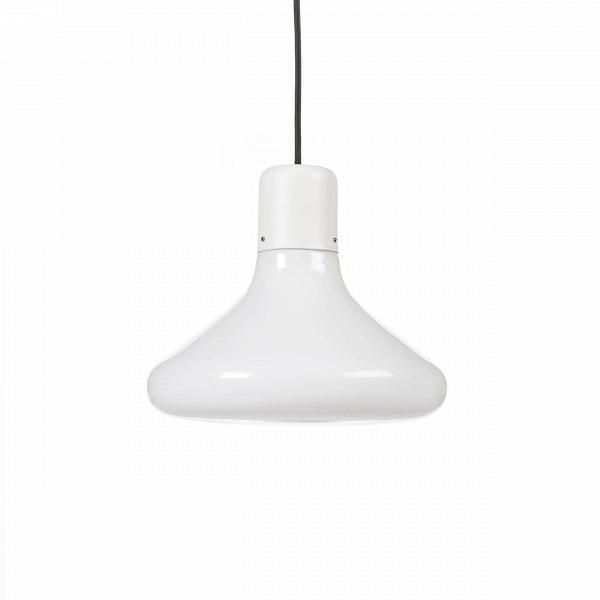 Подвесной светильник Form ConeПодвесные<br>Идея подвесного светильника Form Cone очень проста: абажур изВопалового стекла различной формы (круг, прямоугольник, треугольник). Но наибольшее впечатление светильники производят, когда они скомпонованы вВгруппу иВимеют различную длину подвесов. Кабель темного оттенка иВсерый патрон образуют декоративные контрасты сВбелым стеклом. Группа изВтрех светильников воспринимается как геометрический мобиль, а кластер изВмножества светильников производит впечатл...<br><br>stock: 16<br>Высота: 180<br>Диаметр: 26<br>Количество ламп: 1<br>Материал абажура: Стекло<br>Мощность лампы: 13<br>Ламп в комплекте: Нет<br>Напряжение: 220<br>Тип лампы/цоколь: E27<br>Цвет абажура: Белый