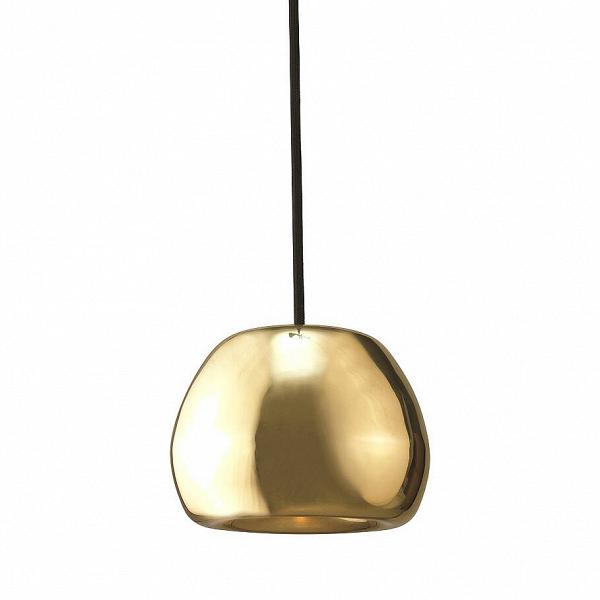 Подвесной светильник Void диаметр 16Подвесные<br>Цветовая палитра светильников Void ассоциируется сВцветами олимпийских медалей. Несколько футуристичный дизайн сВуглублением поВцентру позволяет концентрировать световой луч вВодном фокусе. Форма каждого изделия «лепится» вручную полностью из металла. НаВзавершающем этапе поверхности модели придается зеркальный эффект путем тщательной полировки, после которой наносится специальный лак для достижения максимального глянца.<br><br><br> Подвесной светильник Void диаметр 16 ...<br><br>stock: 0<br>Высота: 150<br>Диаметр: 16<br>Количество ламп: 1<br>Материал абажура: Медь<br>Мощность лампы: 40<br>Ламп в комплекте: Нет<br>Напряжение: 220<br>Тип лампы/цоколь: G9 LED<br>Цвет абажура: Медный<br>Дизайнер: Tom Dixon