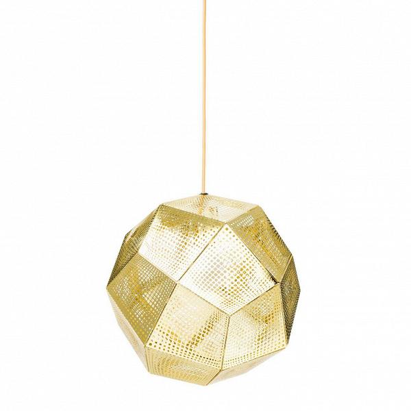 Подвесной светильник Etch диаметр 32Подвесные<br>Подвесной светильник Etch Shade диаметрВ32Вбыл произведен непростым и, стоит даже отметить, уникальным цифровым способом. Каждый плафон такого светильника состоит из металлических пластин нержавеющей стали асимметричной формы, создавая при этом фигуру многогранника.<br><br><br><br><br> С помощью такой формы можно добиться разнообразия в любом помещении, придать изысканности и внести нотку «космического» дизайна. Для такого варианта подойдет множество стилей интерьераВ—Вот хай-т...<br><br>stock: 1<br>Высота: 150<br>Диаметр: 32<br>Количество ламп: 1<br>Материал абажура: Медь<br>Мощность лампы: 60<br>Ламп в комплекте: Нет<br>Напряжение: 220<br>Тип лампы/цоколь: E27<br>Цвет абажура: Золотой<br>Дизайнер: Tom Dixon