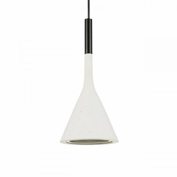 Подвесной светильник AplombПодвесные<br>Подвесной светильникВAplomb от итальянского бренда FoscariniВсоздает прямое, точное освещение, что делает его небольшим, но важным героем в любом помещении. Видимые вкрапления на глиняном плафоне являются выражением современной архитектуры и делают каждый светильник уникальным.<br> Абажур, выполненный из бетона - это выразительный язык современной архитектуры. Своим светильников, компания FoscariniВпопыталась объявить всему миру о своих взглядах на этот материал. Бетон имеет все ...<br><br>stock: 0<br>Высота: 180<br>Диаметр: 16,5<br>Количество ламп: 1<br>Материал абажура: Керамика<br>Мощность лампы: 3<br>Ламп в комплекте: Нет<br>Напряжение: 220<br>Тип лампы/цоколь: LED<br>Цвет абажура: Белый