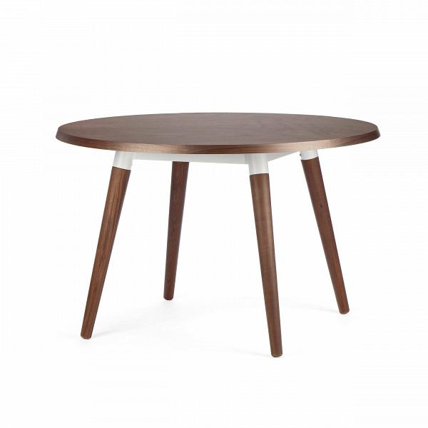 Обеденный стол Copine круглыйОбеденные<br>Дизайнерская круглый деревянный обеденный стол Copine на четырех ножках от Cosmo (Космо).<br>        Обеденный стол Copine круглый — актуальное решение для небольших кухонь. За его столешницей могут свободноВуместиться четыре человека. Его современный дизайн в стиле датский модерн обязательно придется по вкусу всем, кто действительно разбирается в дизайне и ценит простой семейный уют.В <br><br><br>         Благодаря оригинальной темной столешнице,Визделие отлично смотрится в интерьере ...<br><br>stock: 0<br>Высота: 75<br>Диаметр: 120<br>Цвет ножек: Орех американский<br>Цвет столешницы: Орех американский<br>Материал ножек: Массив ореха<br>Материал столешницы: Фанера, шпон ореха<br>Тип материала каркаса: Сталь<br>Тип материала столешницы: Фанера<br>Тип материала ножек: Дерево<br>Цвет каркаса: Белый<br>Дизайнер: Sean Dix