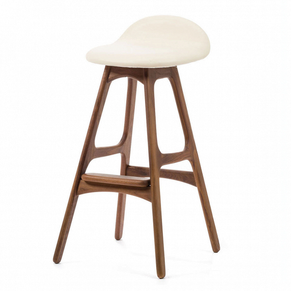 Барный стул Buch 3Барные<br>Дизайнерский барный стул Buch (Буш) без подлокотников на деревянных ножках от Cosmo (Космо).<br> Высокий барный стул Buch 3 создан еще вВ1960 году дизайнером Эриком Буком, который посвятил всю свою жизнь дизайну и архитектуре. У Эрика Бука было свыше 30 коммерчески успешных дизайн-проектов, среди которых самым успешным стал именно этот барный стул, который нашел свое место в миллионах домов по всему миру. Сегодня же стулья, сконструированные Эриком Буком, по-прежнему производятся на фабри...<br><br>stock: 0<br>Высота: 85,5<br>Высота сиденья: 75<br>Ширина: 40<br>Глубина: 45<br>Цвет ножек: Орех<br>Материал ножек: Массив ореха<br>Цвет сидения: Белый<br>Тип материала сидения: Кожа<br>Тип материала ножек: Дерево<br>Дизайнер: Erik Buch