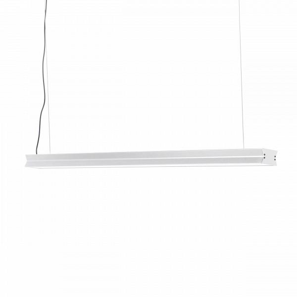 Подвесной светильник StraightПодвесные<br>Подвесной светильник Straight универсален и прост, и в этом заключается его главное преимущество. Геометричность линий и отсутствие деталей открывают его принадлежность к индустриальному стилю. Концепция этого стиля - минимализм и стремление видеть красоту в самых простых и обыденных вещах.<br><br><br> Поскольку этот стиль базируется на бывших фабричных помещениях и их деталях, в которых, на первый взгляд, не так просто увидеть красоту, он поистине уникален. Как и этот светильник: с одной сторо...<br><br>stock: 7<br>Высота: 5<br>Ширина: 8<br>Диаметр: 120<br>Материал абажура: Акрил<br>Материал арматуры: Алюминий<br>Мощность лампы: 36<br>Ламп в комплекте: Нет<br>Напряжение: 220<br>Тип лампы/цоколь: LEDMAN<br>Цвет абажура: Серебряный