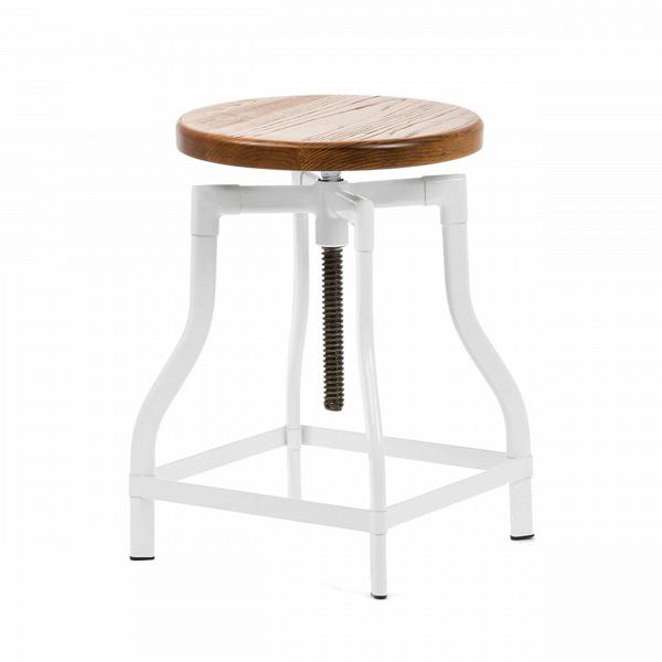 Табурет MachinistТабуреты<br>Особую атмосферу и уют в помещении легко создать, используя уникальную и экстравагантную мебель. Лучшие представители таковой — это авторские дизайнерские проекты, такие как модели великолепного табурета Machinist, классики 30-х годов.<br><br><br> Сиденье из натуральной ивы патинировано, что придает предмету положенный винтажной мебели оттенок старины. Ножки табурета представляют собой цельную конструкцию в форме колокола; подножки и винтовой механизм, регулирующий высоту сиденья, делают табур...<br><br>stock: 0<br>Высота: 45-65<br>Диаметр: 37<br>Цвет ножек: Белый<br>Материал сидения: Массив ясеня<br>Цвет сидения: Коричневый<br>Тип материала сидения: Дерево<br>Тип материала ножек: Сталь