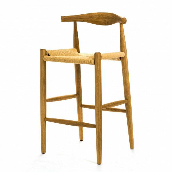 Барный стул ElbowБарные<br>Дизайнерский легкий деревянный барный стул Elbow (Илбоу) с бежевым сиденьем от Cosmo (Космо). <br><br> Если вас пугают эксперименты и экстравагантные формы или ваш интерьер выдержан в эстетике минимализма, вВарсенале культового датского дизайнера Ханса Вегнера найдется ряд классических моделей для безупречно элегантной обстановки. В шестидесятые, годы расцвета поп-арта и смелых форм, дизайн Вегнера остался незамеченным. У современных любителей классики есть уникальный шанс оценить этот гимн...<br><br>stock: 0<br>Высота: 98<br>Высота сиденья: 71<br>Ширина: 55<br>Глубина: 50,5<br>Материал каркаса: Массив дуба<br>Тип материала каркаса: Дерево<br>Цвет сидения: Бежевый<br>Тип материала сидения: Корд бумажный<br>Цвет каркаса: Коричневый<br>Дизайнер: Hans Wegner