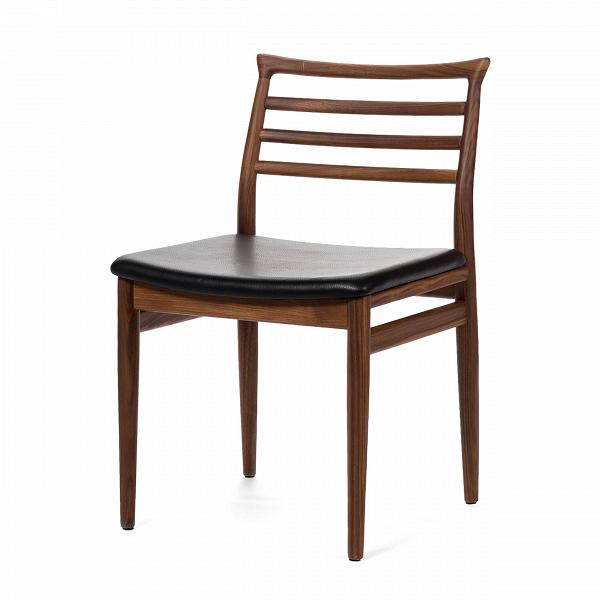 Обеденный стул BrunnИнтерьерные<br>Дизайнерский деревянный легкий стул Brunn (Брун) классической формы с кожаным сиденьем от Cosmo (Космо).<br><br>     Датский стиль означает особую функциональность всех предметов, используемых в интерьере. Он не перенасыщает помещение яркими красками и чрезмерным блеском. Разработанный в 1961 году стул Brunn — образец нетленной классики, сочетания элегантности и утонченного дизайна.<br><br><br>     Анатомической формы сиденье и спинка стула порадуют вас своей комфортностью. Стул сделан из американского...<br><br>stock: 1<br>Высота: 80<br>Высота сиденья: 46<br>Ширина: 49<br>Глубина: 52<br>Материал каркаса: Массив ореха<br>Тип материала каркаса: Дерево<br>Цвет сидения: Черный<br>Тип материала сидения: Кожа<br>Коллекция ткани: Premium Leather<br>Цвет каркаса: Орех