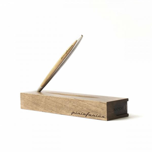 Вечный карандаш с подставкой-футляром Napkin Forever Pininfarina CambianoРазное<br>Вечный карандаш с подставкой-футляром Napkin Forever Pininfarina Cambiano, включает деревянную подставку-футляр. <br><br><br> Идея создания вечного карандаша уходит своими корнями в прошлое и обращает наши взоры в будущее. В Средние века, задолго до изобретения карандаша, художники пользовались металлическими наконечниками для рисования на специально подготовленной и обработанной бумаге. Эта техника была известна как Silverpoint. Техника Silverpoint использовалась множеством известных художнико...<br><br>stock: 0<br>Материал: Металл<br>Цвет: Алюминий<br>Длина: 16.5<br>Материал дополнительный: Дерево