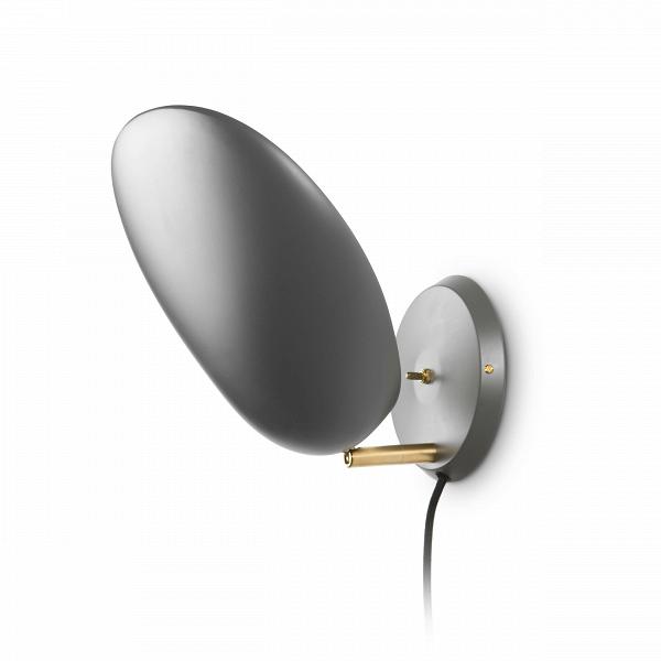 Настенный светильник CobraНастенные<br>Настенный светильник Cobra — это воспроизведение уникальной работы промышленного дизайнера Греты Магнуссон Гроссман. Он был создан в пятидесятых годах XX века и с тех пор не теряет популярности. Тогда же этот светильник получил награду Good Design Award и был впоследствии выставлен в Музее современного искусства МоМА. Грета Гроссман сформировала эстетику «калифорнийского модернизма». Сама она находилась под большим влиянием модернизма европейского.<br><br><br> Светильник полностью заслуживает с...<br><br>stock: 2<br>Высота: 33<br>Ширина: 14<br>Длина: 14<br>Количество ламп: 1<br>Материал абажура: Алюминий<br>Материал арматуры: Латунь<br>Мощность лампы: 60<br>Ламп в комплекте: Нет<br>Напряжение: 220-240<br>Тип лампы/цоколь: E27<br>Цвет абажура: Темно-серый<br>Цвет арматуры: Латунь<br>Цвет провода: Черный<br>Дизайнер: Greta Grossmann