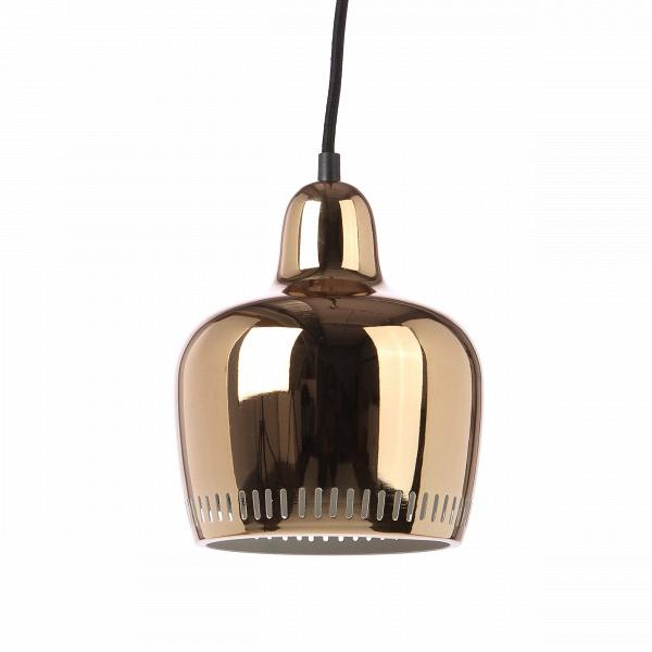 Подвесной светильник Magic BellПодвесные<br>Подвесной светильник Magic Bell, в буквальном переводе «золотой колокольчик», создан компанией Stilnovo. Это американская компания, которая воспроизводит лучшие люстры и светильники прошлого столетия и создает новые интересные дизайнерские осветительные приборы, используя в качестве источника вдохновения самые разные формы из самых разных времен истории человечества.<br><br><br> В этот раз источником вдохновения послужили лампы и церковные колокола Средневековья. Простая невычурная форма, обтек...<br><br>stock: 30<br>Высота: 19.5<br>Диаметр: 18<br>Длина провода: 200<br>Количество ламп: 1<br>Материал абажура: Сталь<br>Материал арматуры: Сталь<br>Мощность лампы: 60<br>Ламп в комплекте: Нет<br>Напряжение: 220-240<br>Тип лампы/цоколь: E27<br>Цвет абажура: Золотой<br>Цвет арматуры: Золотой<br>Цвет провода: Черный<br>Дизайнер: Alvar Aalto