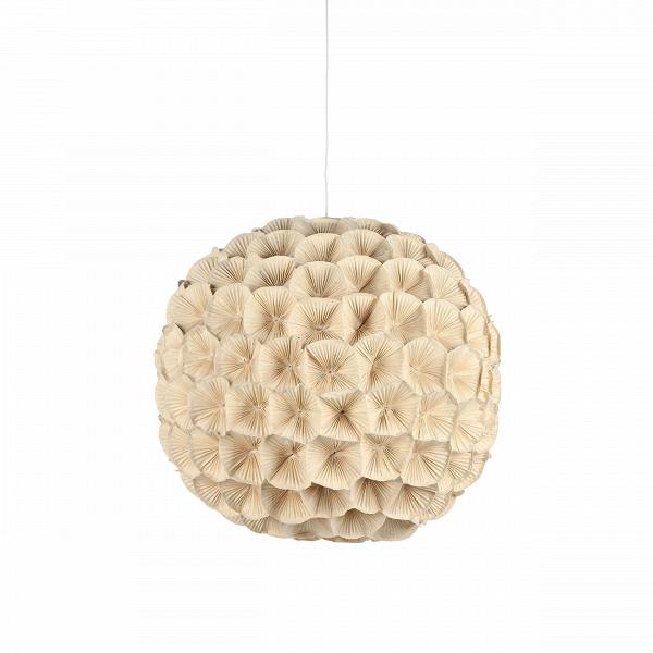 Подвесной светильник Poppy 2Подвесные<br>Этот удивительно нежный и теплый светильник всем своим видом излучает скромное очарование, сдержанную красоту и элегантную женственность. Все это — отличительные черты коллекции светильников Poppy, которую разработала утонченная Кристи Мангуэрра, постоянный дизайнер компании Hive. Компания базируется на Филиппинах и использует в производстве исключительно натуральные природные материалы.<br><br><br> Цветы, формирующие подвесной светильник Poppy, сделаны вручную изВгофрированного картона, ...<br><br>stock: 0<br>Диаметр: 60<br>Материал абажура: Медь кованная<br>Тип лампы/цоколь: E26/E27<br>Цвет абажура: Кремовый<br>Дизайнер: Christy Manguerra