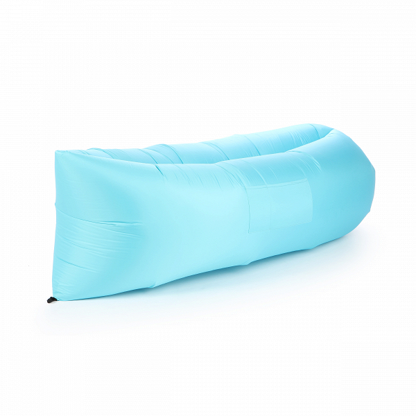 Надувной диван LamzacУличная мебель<br>Надувной диван Lamzac — удобный лежак на раз-два-три. Дома, на даче, в любой туристической поездке и даже в простом походе в ближайший парк надувной диван — незаменимый портативный лежак за три секунды.<br><br> Достать, взмахнуть, закрутить — и все! Располагайтесь на лежаке в одиночестве или как на диване вдвоем. Надувной диван Lamzac выдерживает вес до 200 кг.<br><br>stock: 0<br>Высота: 60-70<br>Глубина: 140<br>Длина: 200<br>Материал обивки: Полиэстер<br>Тип материала обивки: Ткань<br>Цвет обивки: Голубой