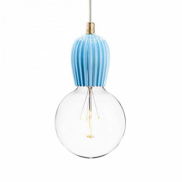 Светильник Keramik Rib BlarПодвесные<br><br><br>stock: 0<br>Высота: 11<br>Диаметр: 7<br>Длина провода: 220<br>Доп. цвет абажура: Латунь<br>Количество ламп: 1<br>Материал абажура: Керамика<br>Мощность лампы: 60<br>Ламп в комплекте: Нет<br>Напряжение: 220<br>Тип лампы/цоколь: E27<br>Цвет абажура: Голубой<br>Цвет провода: Белый