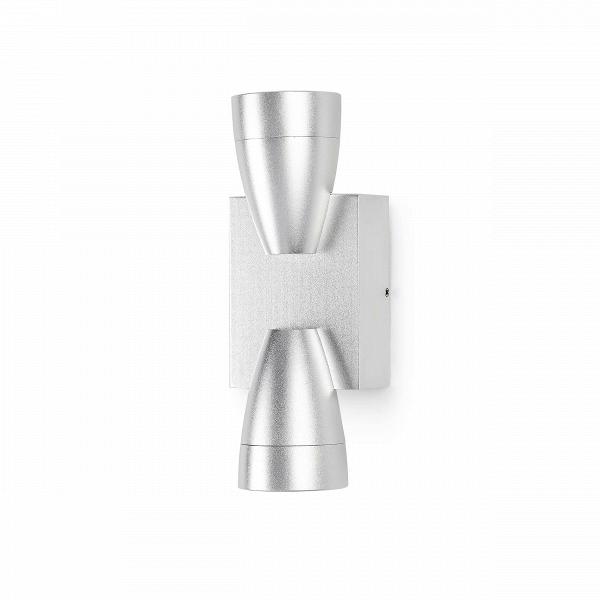 Настенный светильник HourglassНастенные<br>Настенный светильник HourglassВнапоминает своей формой песочные часы, откуда иВберет свое название.<br><br><br><br> Оригинальный подход к освещению помещения создает настенный светильник Hourglass, он выпускает два луча света одновременно, направленные вверх и в низ соответственно. Это задает сама форма светильника, удачно реализованная в точной копии песочных часов.В<br><br><br> Оригинальная деталь декора дарит четкий и ясный свет, прекрасно подойдет для прихожей, для небольшого рестор...<br><br>stock: 25<br>Высота: 55,5<br>Ширина: 16<br>Диаметр: 6<br>Количество ламп: 6<br>Материал абажура: Алюминий<br>Мощность лампы: 1<br>Ламп в комплекте: Нет<br>Напряжение: 220<br>Тип лампы/цоколь: CREE LED<br>Цвет абажура: Серебряный
