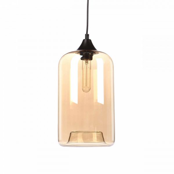 Подвесной светильник Pod LightingПодвесные<br>Подвесной светильник Pod Lighting напоминает старинный фонарь, который обрел новую жизнь в современном мире и стал обладателем ультрасовременного дизайна, способного удовлетворить даже самого взыскательного дизайнера современных интерьеров. Светильник имеет прозрачный, янтарного оттенка плафон, арматуру стильного черного цвета и необычную вытянутую форму. Абажур подвесного светильника Pod Lighting изготовлен из прочного стекла янтарного цвета и крепится к металлической арматуре. Имеется цо...<br><br>stock: 0<br>Высота: 37<br>Диаметр: 17<br>Длина провода: 150<br>Количество ламп: 1<br>Материал абажура: Стекло<br>Мощность лампы: 60<br>Ламп в комплекте: Нет<br>Тип лампы/цоколь: E27<br>Цвет абажура: Янтарь<br>Цвет провода: Черный