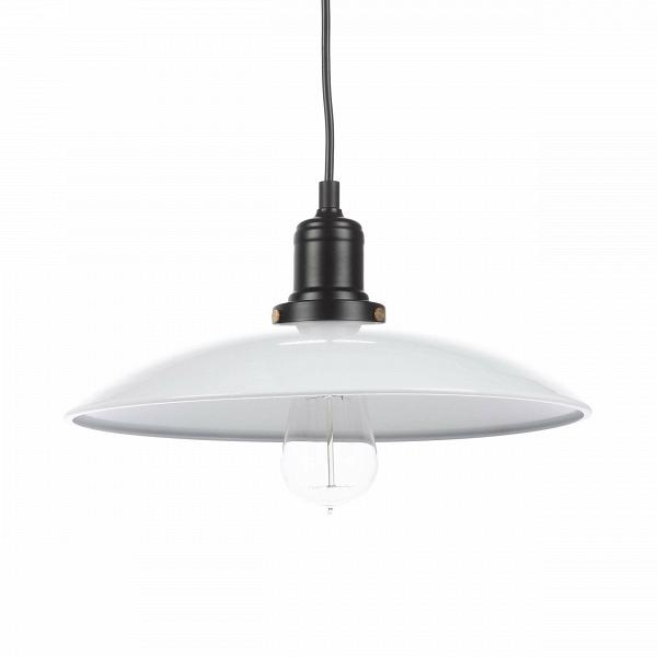 Подвесной светильник Cera LightingПодвесные<br>Подвесной светильник Cera Lighting создан лучшими дизайнерами компании Cosmo. Светильник представляет собой яркое сочетание стильного минимализма, универсального оформления и функциональности. Подобные осветительные приборы замечательно и гармонично смотрятся как в ряду себе подобных, так и в сочетании с яркими, контрастными светильниками.<br><br><br> Абажур подвесного светильника Cera Lighting изготовлен из металла стильного белого цвета. Арматура светильника металлическая. Имеется цоколь для ...<br><br>stock: 6<br>Диаметр: 32<br>Длина провода: 150<br>Количество ламп: 1<br>Материал абажура: Металл<br>Мощность лампы: 60<br>Ламп в комплекте: Нет<br>Тип лампы/цоколь: E27<br>Цвет абажура: Белый<br>Цвет провода: Черный