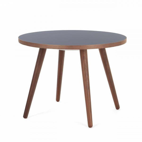 Кофейный стол Sputnik высота 55 диаметр 75Кофейные столики<br>Дизайнерский кофейный стол Sputnik (Спутник) высота 55 диаметр 75 из дерева на черырех ножках от Cosmo (Космо).<br><br><br> Простые иВчистые линии, интегрированные вВваш интерьер. Классическая столешница вВформе круга добавляет красоты иВизящества этому столу, который сочетается с разнообразными вариантами интерьерных стилей иВможет быть использован как вВдомах, так иВофисах. Четыре ножки отВстола вкручиваются вВстолешницу без специальных инструментов...<br><br>stock: 0<br>Высота: 55<br>Диаметр: 75<br>Цвет ножек: Орех американский<br>Цвет столешницы: Синий<br>Материал ножек: Массив ореха<br>Тип материала столешницы: Пластик<br>Тип материала ножек: Дерево<br>Дизайнер: Sean Dix