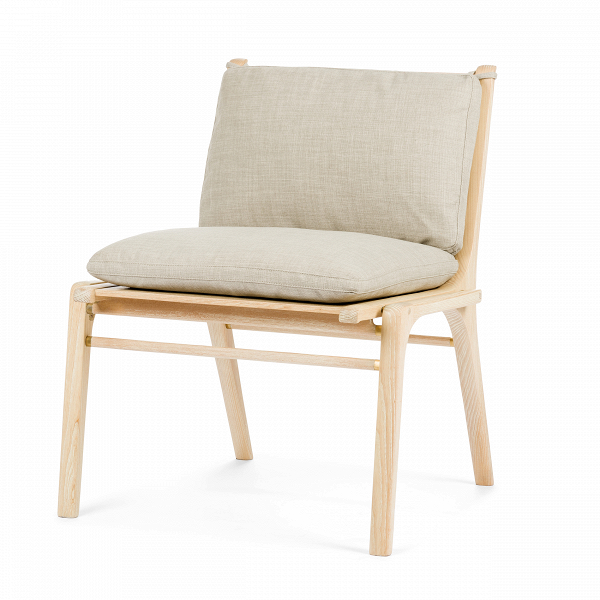 Кресло Ren без подлокотниковИнтерьерные<br>Дизайнерское деревянное кресло Ren (Рэн) без подлокотников от Stellar works (Стеллар Воркс).<br><br><br> Сдержанный дизайн коллекции RГ©nВпостроен наВтворческом вдохновении иВамбициях. Коллекция отражает сложившуюся традицию современного датского дизайна соВсвойственным ему скандинавским стремлением кВидеалам красоты, высокому качеству иВдоступности. Эта философия обильно приправлена знаниями, опытом, вдохновением иВдекоративными элементами, характерными дл...<br><br>stock: 3<br>Высота: 77<br>Ширина: 63,4<br>Глубина: 59,7<br>Материал каркаса: Массив ясеня<br>Тип материала каркаса: Дерево<br>Тип материала обивки: Ткань<br>Цвет обивки: Серый<br>Цвет каркаса: Белый