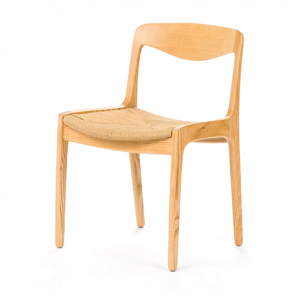 Стул Wohlert RattanИнтерьерные<br>Дизайнерский светло-коричневый стул Wohlert (Уолерт) с сиденьем из ротанга от Cosmo (Космо).<br>Натуральные природные материалыВ— это основное преимущество продукции под брендом Stellar Works. Компания бережно следит за своим производством, отбирая качественную древесину для своих изделий. Оригинальный стул Wohlert Rattan не является исключением. <br><br>Каркас стула изготовлен из массива ясеня.ВРисунок древесины ясеня имеет структуру, также схожую со структурой дуба: ее главным отличием ...<br><br>stock: 8<br>Высота: 76,5<br>Ширина: 52,2<br>Глубина: 51<br>Материал каркаса: Массив ясеня<br>Тип материала каркаса: Дерево<br>Цвет сидения: Бежевый<br>Тип материала сидения: Ротанг<br>Цвет каркаса: Светло-коричневый