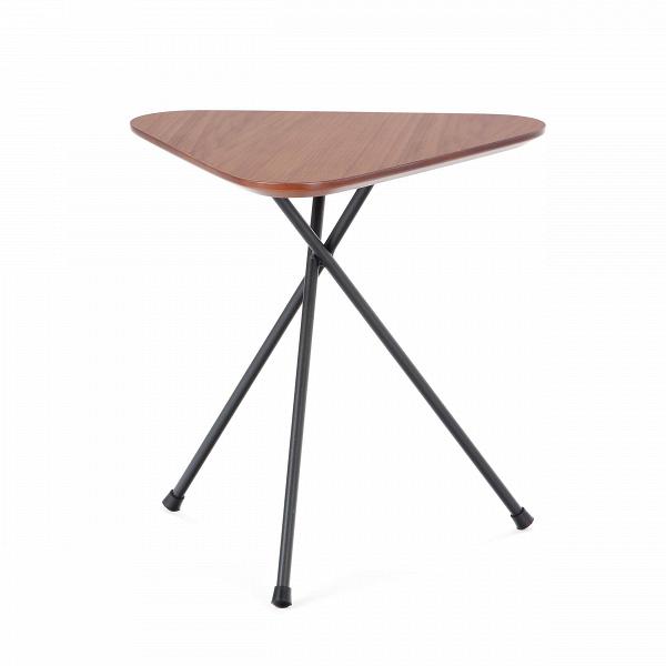 Кофейный стол TriangleКофейные столики<br>Современный дизайн таит в себе массу направлений, которые полны подводных камней. Невероятно сложно соблюсти баланс и не превратить просторную светлую комнату в набитую дешевой начинкой кладовую. И дело не столько в цене, сколько в гармонии и сбалансированности композиции. Кофейный стол TriangleВ— это консерватор среди придиванных столиков. <br> <br>Вытянутый и стройный, в выдержанной цветовой гамме, в хорошо подобранных между собойВматериалах... Он компактный, но при этом не теряет сво...<br><br>stock: 10<br>Высота: 45<br>Ширина: 40<br>Длина: 42<br>Цвет ножек: Черный<br>Цвет столешницы: Орех<br>Материал столешницы: МДФ, шпон ореха<br>Тип материала столешницы: МДФ<br>Тип материала ножек: Металл