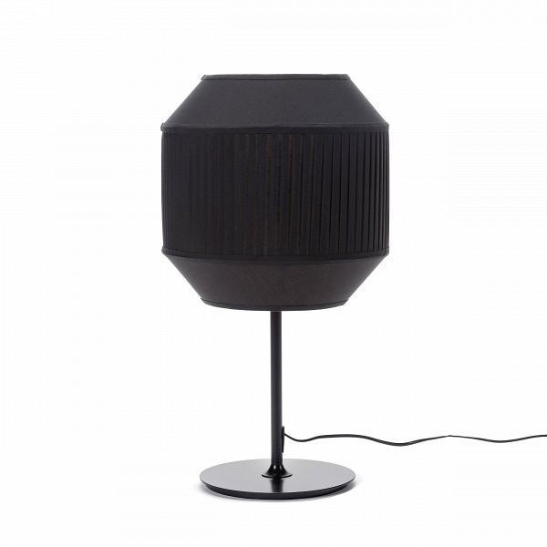 Настольная лампа Delta TableНастольные<br>Дизайнерский черный стильный настольный светильник Delta Table (Дельта Тэбл) на узкой ножке от Cosmo (Космо).<br><br>stock: 4<br>Высота: 65<br>Ширина: 35<br>Длина: 35<br>Материал абажура: Ткань<br>Материал арматуры: Металл<br>Ламп в комплекте: Нет<br>Напряжение: 220<br>Тип лампы/цоколь: E27<br>Цвет абажура: Черный<br>Цвет арматуры: Черный
