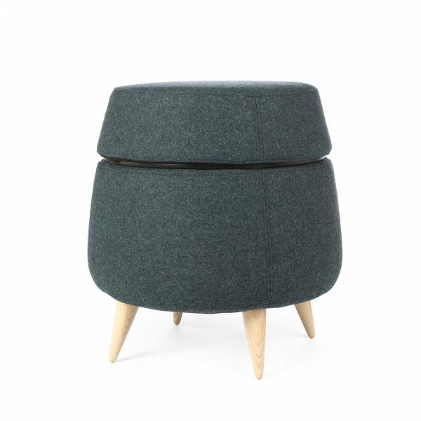 Пуф PodПуфы и оттоманки<br>По задумке дизайнера, пуф Pod сделан в виде усеченного конуса, что придает изделию оригинальный и необычный стиль. Он может стать настоящим украшением интерьера, его дизайн говорит об утонченном вкусе и стремлении к стилю и красоте. Пуф Pod может играть роль как дополнительного предмета мебели к креслу или дивану, а может выступать как полноценная замена тому же креслу.<br><br><br> Главная особенность пуфа в том, что он может служить хранилищем самых разных предметов, от журналов и газет до лю...<br><br>stock: 0<br>Высота: 45<br>Диаметр: 43<br>Цвет ножек: Светло-коричневый<br>Материал ножек: Массив ясеня<br>Материал сидения: Войлок<br>Цвет сидения: Темно-синий<br>Тип материала сидения: Ткань<br>Тип материала ножек: Дерево