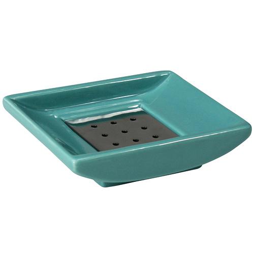 Мыльница CUBE SOAP DISH (4205/42051)Посуда<br>Артикул: 4205/42051. Бирюзовая керамическая мыльница от шведских дизайнеров наполнит интерьер ванной комнаты или кухни морской свежестью и летним настроением. Поддержать модный оттенок можно с помощью дозаторов для жидкого мыла, стаканчиков для зубных щеток, контейнеров для мелочей и кашпо. Заботясь о стиле каждого уголка в вашем доме, мы предлагаем вам самые актуальные комплексные решения. Дизайн: Швеция.<br><br>stock: 10<br>Высота: 2<br>Ширина: 10<br>Материал: керамика, металл<br>Цвет: бирюза<br>Размер: 2 x 10 x 8 см<br>Длина: 8<br>Страна происхождения: Швеция