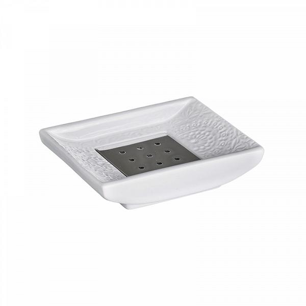 МыльницаGRACILIS (3830)Посуда<br>Артикул: 3830. Нужно отдать должное шведским дизайнерам. МыльницаGRACILIS безупречна. В ней все говорит о чистоте, цвет, форма, линии. Металлическая вкладка под мыло дополняет дизайн и не допускает мыльных разводов на белоснежную керамическую поверхность. Дизайн: Cult Design, Швеция.<br><br>stock: 18<br>Высота: 2<br>Ширина: 8<br>Материал: керамика, металл<br>Цвет: Белый<br>Размер: 2 x 8 x 10<br>Длина: 10<br>Страна происхождения: Швеция
