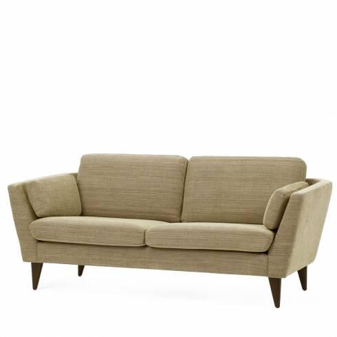 Диван Mynta ширина 220Трехместные<br>Подбирая подходящую мягкую мебель в свою гостиную комнату или домашний кабинет, следует помнить о том, что такая мебель станет залогом уюта и хорошего, спокойного настроения, ведь именно мягкая мебель отвечает за наш отдых и хорошее самочувствие в перерыве между работой. Диван Mynta ширина 220 — это замечательное творение дизайнеров компании Sits, в котором присутствуют легкие шведские черты, а традиционные классические формы тесно переплетаются с современными дизайнерскими решениями.<br><br>...<br><br>stock: 0<br>Высота: 82<br>Высота сиденья: 46<br>Глубина: 87<br>Длина: 220<br>Цвет ножек: Черный<br>Материал обивки: Хлопок, Лен<br>Коллекция ткани: Категория ткани II<br>Тип материала обивки: Ткань<br>Тип материала ножек: Дерево<br>Цвет обивки: Светло-серый