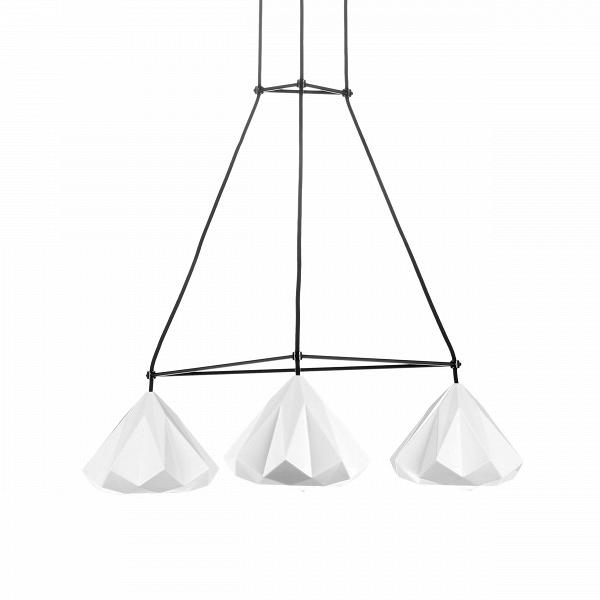 Подвесной светильник FP558NПодвесные<br>Подвесной светильник Hutton с треугольной арматурой — это настоящее произведение искусства, выполненное лучшими дизайнерами компании, занимающей одно из ведущих мест в дизайне и производстве осветительных приборов. Многоугольные плафоны светильника имеют очень легкую и красивую форму и напоминают легкие сказочные подснежники. Благодаря очень тонкой и воздушной арматуре светильник не загромождает пространство и визуально увеличивает помещение.<br><br><br> Светильник Hutton<br>имеет довольно больши...<br><br>stock: 1<br>Высота: 16.5<br>Ширина: 60<br>Длина: 60<br>Количество ламп: 3<br>Материал абажура: Костяной фарфор<br>Мощность лампы: 60<br>Тип лампы/цоколь: E27<br>Цвет абажура: Белый<br>Цвет провода: Черный
