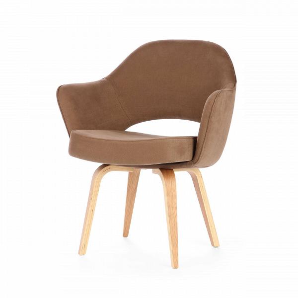 Кресло Executive с деревянными ножкамиИнтерьерные<br>Оригинальный, совершенно не скучный дизайн этого предмета привлечет внимание даже самого искушенного ценителя стильного оформления домашнего интерьера. Кресло Executive с деревянными ножками обладает очень удобной спинкой, которая позволит вам отдохнуть с наибольшим комфортом, и глубоким сиденьем. А высокие сплошные подлокотники создадут приятное ощущение психологического комфорта и уютной домашней атмосферы.<br><br><br> Изделие изготовлено из высококачественных материалов, что обеспечивает ег...<br><br>stock: 12<br>Высота: 82,5<br>Высота сиденья: 48<br>Ширина: 69,5<br>Глубина: 62,5<br>Цвет ножек: Белый дуб<br>Материал ножек: Массив дуба<br>Материал обивки: Хлопок, Лен<br>Коллекция ткани: Ray Fabric<br>Тип материала обивки: Ткань<br>Тип материала ножек: Дерево<br>Цвет обивки: Светло-коричневый