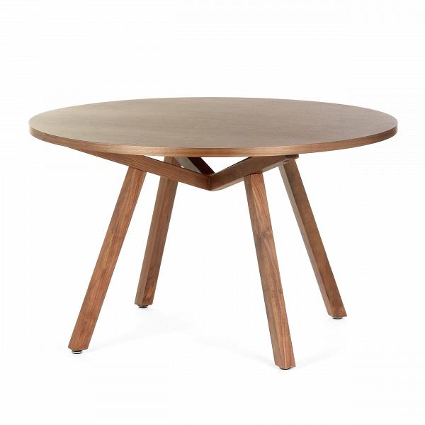 Обеденный стол Forte круглыйОбеденные<br>Дизайнерская круглый обеденный стол Forte (Форте) натурального цвета из дерева на четырех ножках от Cosmo (Космо).<br>         Американский дизайнер, путешественник и человек мира Шон Дикс успел пожить на Фиджи, в Микронезии и на Филиппинах, перед тем как переехать в Сан-Диего, Чикаго, а затем Европу и Гонконг. Его студии — в Милане и Гонконге, а среди его знаменитых клиентов Moschino, Harrods, Bosco di Ciliegi и La Scala. Что же привлекает их всех? Секрет Шона прост: он делает мебель, которая ...<br><br>stock: 0<br>Высота: 74<br>Диаметр: 120<br>Цвет ножек: Орех американский<br>Цвет столешницы: Орех американский<br>Материал ножек: Массив ореха<br>Материал столешницы: Фанера, шпон ореха<br>Тип материала столешницы: Фанера<br>Тип материала ножек: Дерево<br>Дизайнер: Sean Dix