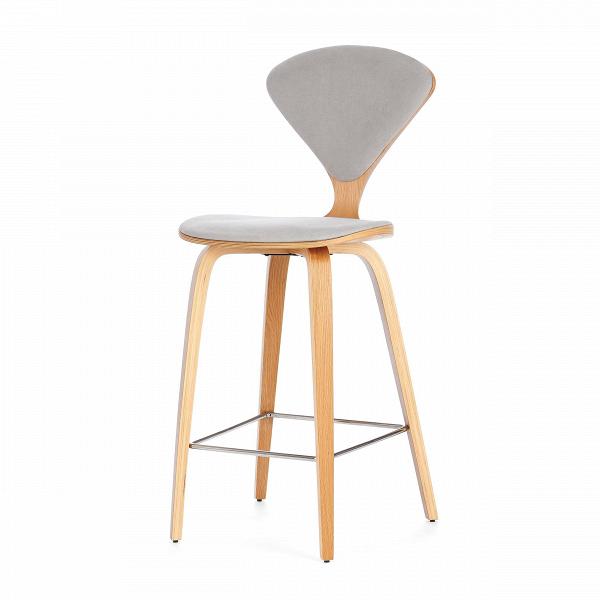 Барный стул Cherner с обивкойПолубарные<br>Барный стул Cherner с обивкой — это великолепный деревянный барный стул 1958 года по-настоящему<br>инновационного дизайна Нормана Чернера. Барный стул ChernerВ— прекрасный союз комфорта, новизны иВстиля. Американский дизайнер Норман Чернер известен в мире дизайна прежде всего благодаря коллекции стульев Cherner. Их особенная форма, безупречные линии и необычный дизайн не выходят из моды уже долгие годы, и эти стулья стали классикой дизайна.<br><br><br> Сделанный изВформованной фан...<br><br>stock: 8<br>Высота: 102,5<br>Высота сиденья: 66.5<br>Ширина: 47<br>Глубина: 54<br>Цвет ножек: Белый дуб<br>Материал ножек: Фанера, шпон дуба<br>Материал сидения: Хлопок, Лен<br>Цвет сидения: Светло-серый<br>Тип материала сидения: Ткань<br>Коллекция ткани: Ray Fabric<br>Тип материала ножек: Дерево<br>Дизайнер: Norman Cherner