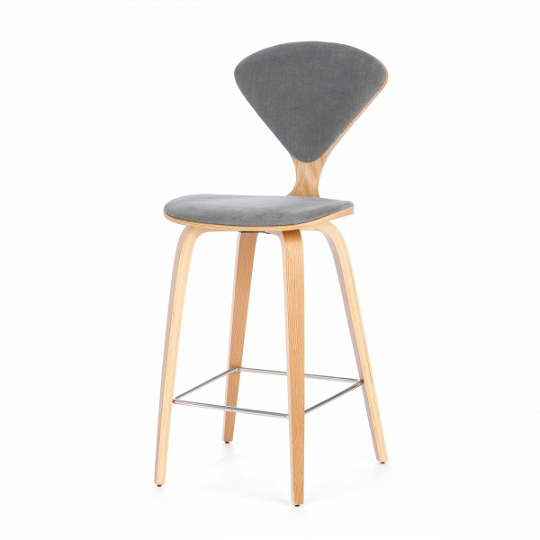 Барный стул Cherner с обивкойПолубарные<br>Барный стул Cherner с обивкой — это великолепный деревянный барный стул 1958 года по-настоящему<br>инновационного дизайна Нормана Чернера. Барный стул ChernerВ— прекрасный союз комфорта, новизны иВстиля. Американский дизайнер Норман Чернер известен в мире дизайна прежде всего благодаря коллекции стульев Cherner. Их особенная форма, безупречные линии и необычный дизайн не выходят из моды уже долгие годы, и эти стулья стали классикой дизайна.<br><br><br> Сделанный изВформованной фан...<br><br>stock: 0<br>Высота: 102,5<br>Высота сиденья: 66.5<br>Ширина: 47<br>Глубина: 54<br>Цвет ножек: Белый дуб<br>Материал ножек: Фанера, шпон дуба<br>Материал сидения: Хлопок, Лен<br>Цвет сидения: Серый<br>Тип материала сидения: Ткань<br>Коллекция ткани: Ray Fabric<br>Тип материала ножек: Дерево<br>Дизайнер: Norman Cherner