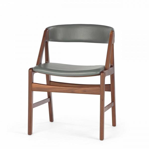 Стул DagaИнтерьерные<br>Дизайнерский легкий стул Daga (Дага) из массива ореха с кожаной обивкой сиденья и спинки от Cosmo (Космо).<br><br><br> Большинство стульев и табуретов могут использоваться в различных видах помещений, от офисной обстановки до теплой и уютной кухонной атмосферы. Таков и стул Daga, выполненный в строгом классическом стиле.<br><br><br> Лаконичность и роскошь — именно эти слова отлично характеризуют стул Daga. Оригинальный широкий каркас из американского ореха, известного своей прочностью и роскошным тем...<br><br>stock: 0<br>Высота: 72,5<br>Высота сиденья: 45<br>Ширина: 53<br>Глубина: 51,5<br>Материал каркаса: Массив ореха<br>Тип материала каркаса: Дерево<br>Цвет сидения: Серый<br>Тип материала сидения: Кожа<br>Коллекция ткани: Harry Leather<br>Цвет каркаса: Орех