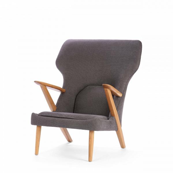 Кресло Little BearИнтерьерные<br>Дизайнерское легкое комфортное кресло Little Bear (Литл Бир) с широкой спинкой и деревянным каркасом от Cosmo (Космо).<br><br><br> Датчанина Ханса Вегнера по праву можно величать королем стульев — за всю жизнь он спроектировал их около пятисот. ЕгоВтворения входят в коллекцию всех музеев современного искусства, от Центра Помпиду до MoMA, на кресле «Бык» сидит Доктор Зло в «Остине Пауэрсе», в креслах Вегнера вели дебаты Кеннеди и Никсон и снимался Дмитрий Медведев.<br><br><br> Вегнер, верный птен...<br><br>stock: 0<br>Высота: 94<br>Высота сиденья: 37<br>Ширина: 82,5<br>Глубина: 87<br>Материал каркаса: Массив дуба<br>Материал обивки: Хлопок<br>Тип материала каркаса: Дерево<br>Коллекция ткани: Charles Fabric<br>Тип материала обивки: Ткань<br>Цвет обивки: Темно-серый<br>Цвет каркаса: Дуб<br>Дизайнер: Hans Wegner