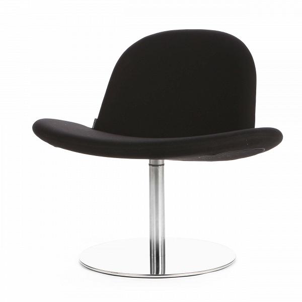 Кресло OrlandoИнтерьерные<br>Дизайнерское широкое кресло Orlando (Орландо) без подлокотников на одной ножке от Softline (Софтлайн).<br><br><br> Кресло Orlando — от знаменитого дуэта Флемминга Буска и Стефана Б.Херцога, датского коллектива дизайнеров, известного своими наградами вВобласти дизайна мебели, которые проектируют мебель для компании Softlin. Датская компания Softline была основана в 1979 году, и ее создатели не отступали от генеральной линии скандинавского минимализма ни на шаг. Их девизом стали дизайн, ...<br><br>stock: 1<br>Высота: 71<br>Высота сиденья: 36<br>Ширина: 80<br>Глубина: 65<br>Цвет ножек: Хром<br>Материал обивки: Шерсть, Полиамид<br>Коллекция ткани: Felt<br>Тип материала обивки: Ткань<br>Тип материала ножек: Сталь нержавеющая<br>Цвет обивки: Черный<br>Дизайнер: Busk + Hertzog