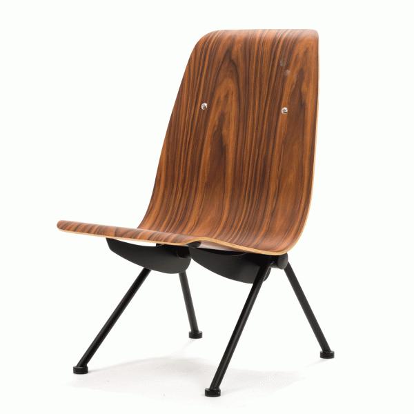 Кресло AntonyИнтерьерные<br>Дизайнерское оригинальное жесткое кресло Antony (Энтони) из фанеры без подлокотников на металлических ножках от Cosmo (Космо).<br><br><br> Француз Жан Пруве, дизайнер-самоучка с мировым именем, увлекался авангардом и кузнечным делом, поэтому знал все секреты работы с металлом. Предвосхитив суперпопулярный стиль хай-тек, он экспериментировал с формой и конструкцией уже в тридцатые годы прошлого века и был одним из первых, кто стал делать мебель из листового металла. «Для меня нет разницы между пр...<br><br>stock: 0<br>Высота: 89,5<br>Высота сиденья: 40,5<br>Ширина: 50,5<br>Глубина: 67<br>Цвет ножек: Черный<br>Материал каркаса: Фанера, шпон розового дерева<br>Тип материала каркаса: Фанера<br>Тип материала ножек: Сталь<br>Цвет каркаса: Коричневый<br>Дизайнер: Jean ProuvГ©