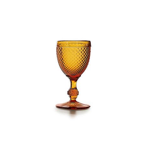 Бокал (AB10/003043225004)Посуда<br>Фабрика VISTA ALEGRE с 1824 года изготавливает изделия из цветного стекла , смешивая песок и натуральные пигменты. Стеклянные изделия создают ручным способом путем заливания в пресс-формы жидкого стекла. Уникальные цвета и узоры на изделиях позволяют использовать их в любых интерьерных стилях, будь то Шебби шик, арт деко, богемный шик, винтаж или современный стиль.<br><br>stock: 4<br>Материал: Стекло<br>Цвет: Ambar 25<br>Объем: 210<br>Объем: &lt;Объект не найден&gt; (51:94490025907a102b11e55de454794235)